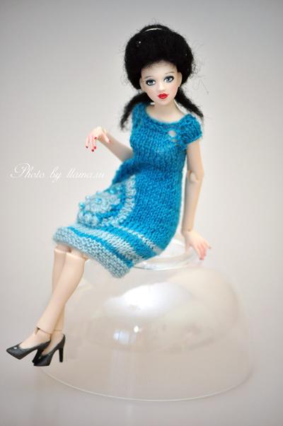 Хлоя в новом платье