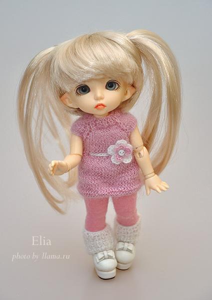 Эля в свитере