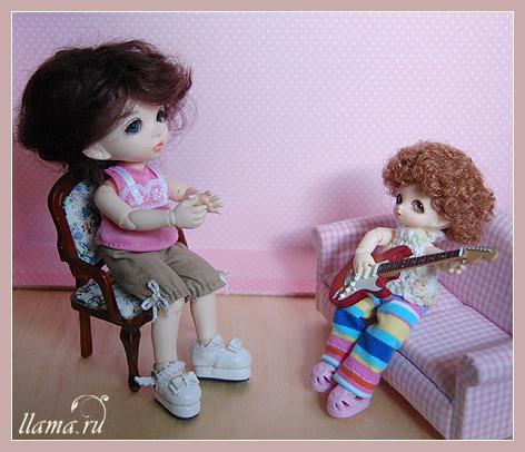 Фло и Эля музицируют